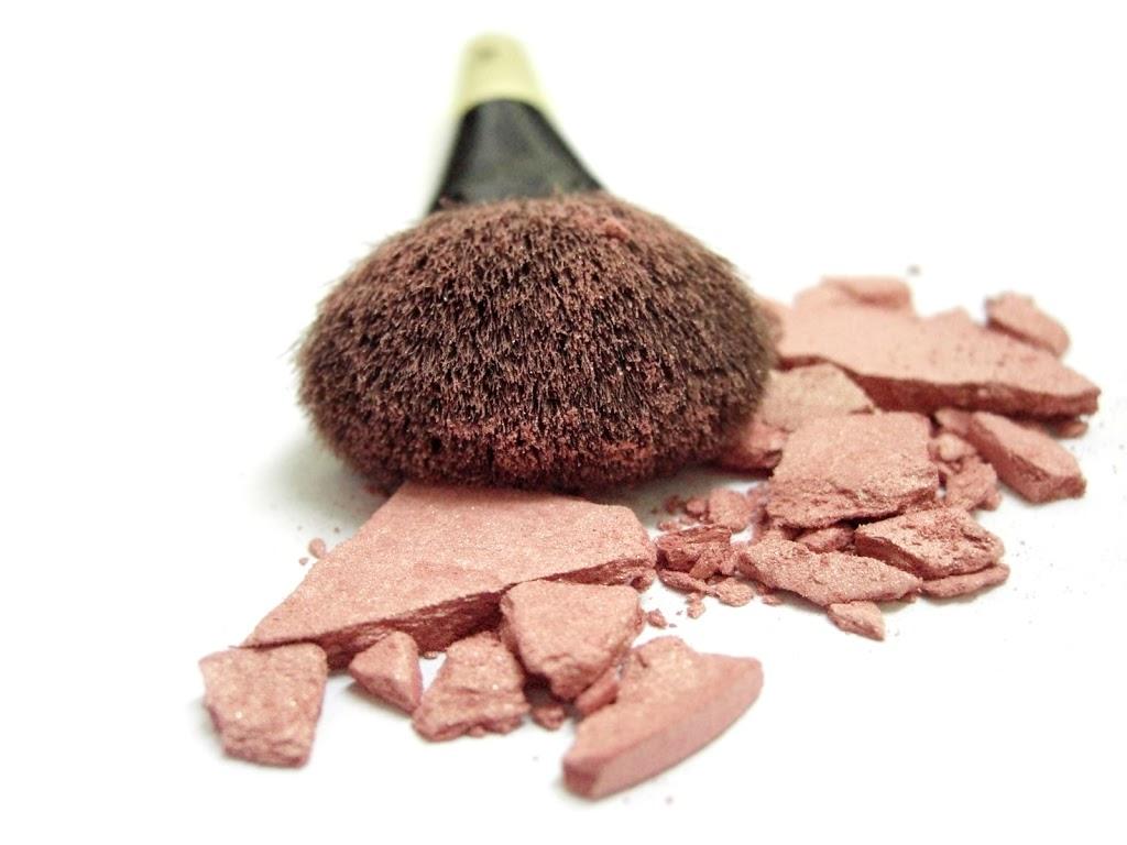 Maquillaje, menos es más! - Blog - Farmacia Sarasketa